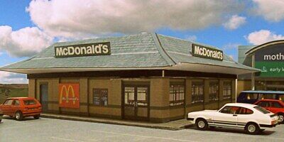 Kingsway, 00 Scale, McDonald's Fast Food Restaurant, ** Ready Made **. • 49.74€
