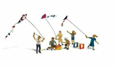 Woodland Scenics Windy Day Play 6 Figures Flying Kites HO Scale • 40.99€
