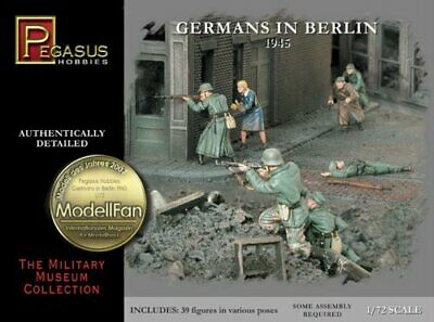 172 Germans In Berlin 1945 • 23.36€