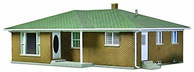 Walthers Cornerstone Ranch Tract House • 40.79€