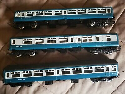 3 OO Gauge Railway Coaches - Unboxed - I Think HORNBY • 28.11€
