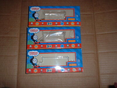 Hornby 00 Gauge Thomas And Friends Range R.9239 & R.9235 Empty Wagon Boxes X 3 • 26.01€