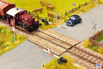 N14424 Noch TT Scale Wooden Plank Level Crossing • 9.89€