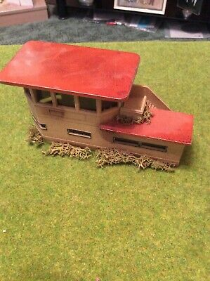 Vintage Hornby Dublo Metal Signal Box. Weathered And Derelict OO Scale. • 5.59€