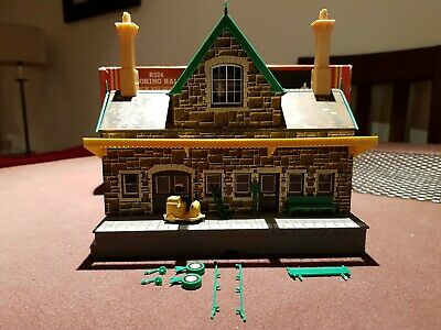 HORNBY R524 BOOKING HALL OO Gauge Stone Finish  • 3.80€