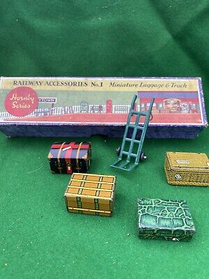 Hornby Series No 1 RARE Railway Accessories Miniature Luggage & Truck • 72.78€