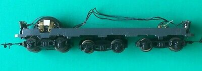 HO BBB  CHASSIS Marque Inconnue 3 Bogies Dont 1 MOTORISE (LIMA) • 25€