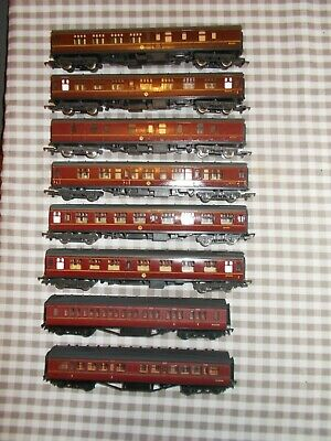 Oo Gauge 8 Coaches Bachmann/lima..good Condition USED. • 9.83€
