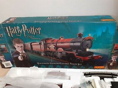 Hornby R1095 Harry Potter & The Order Of The Phoenix Train Set • 222.29€