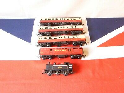 Tri-ang Locomotive And 3 Coaches + 1 Operating Royal Mail Coach • 33.16€