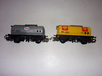 Two Hornby Petroleum Tanker Wagons • 12.22€