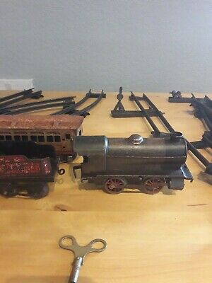 Vintage Collectable Tin  Train Set Working With Lots Of Metal Track.  • 156.08€