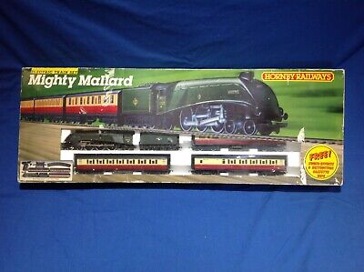 Hornby Railway Mighty Mallard Electric Train Set R542 • 88.96€