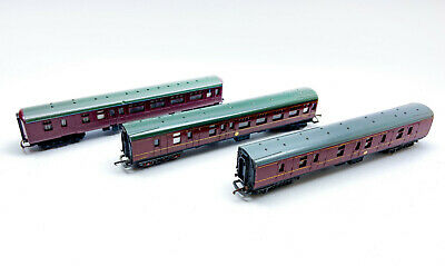 Vintage OO Gauge Maroon Lima Coaches Plus One Other   • 11.25€