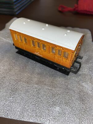 HORNBY-R110 ANNIE-THOMAS COACH-AMAZING CONDITION-V/Good-DISCONTINUED • 11.79€