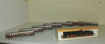 Locomotive Arnold Avec 7 Wagons • 120€