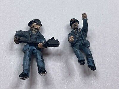 Falcon Figures OO Gauge Pewter Master Piece For SR Q1 Class Driver + Fireman • 8.42€