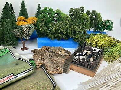 **BUNDLE** OO Gauge Woodland Scenery Trees, Packets, Fencing, Animals+Animal Pen • 20.78€