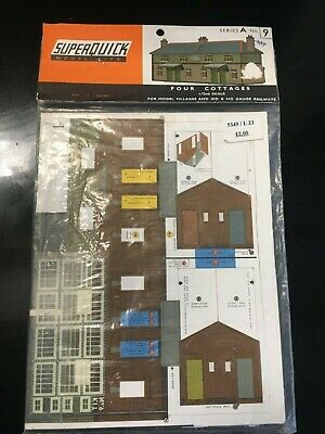 Superquick Series A No 9 Four Cottages - OO Gauge Card Kit • 3.37€