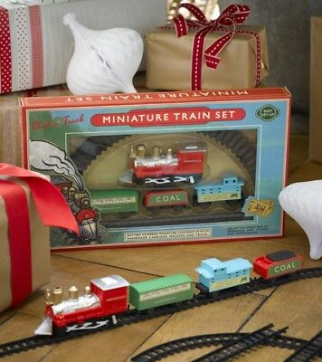 Traditional Miniature Train & Track Set Easy Set Up Christmas Gift For Kids Toy • 10€