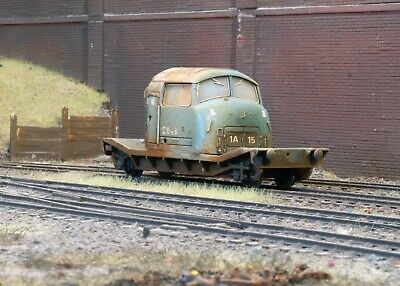 OO Gauge Abandoned Lowmac With Cab Load, Heavily Rusted And Weathered. Ref 7 • 16.75€