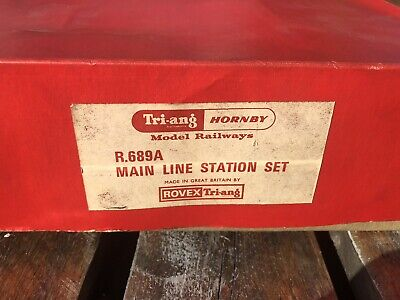 Hornby R689A Main Line Station Set Boxed  • 44.20€