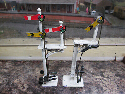 Cresent Pair Of Signals Home Bracket And Distant. • 11.32€