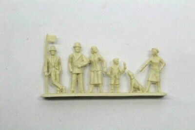 Plastic Model Bus Stop Queue People Model Railway S3 • 6.65€