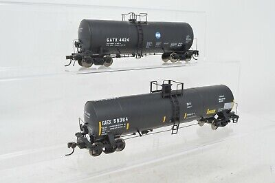 HO Scale Pair Of Black GATX Tank Cars - 4424 & 58964 - Lot D5 • 50.94€