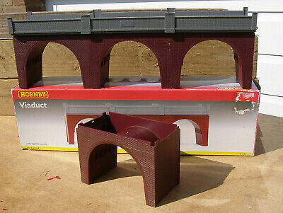 Hornby R180 00 Gauge Viaduct In Very Good Condition + A Spare Arch. Boxed.  • 10.16€