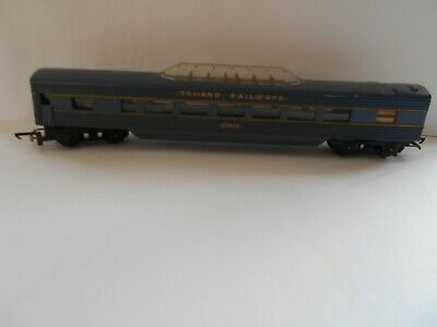 TRIANG  Oo  TRANSCONTINENTAL CENTRE OBSERVATION CAR No 20425 • 9€
