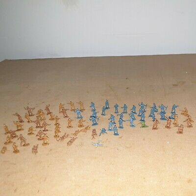 OO GAUGE JOBLOT OF 70 Personnel/ SOLDIERS  /PEOPLE  2 Different Colors / Sides • 5.60€
