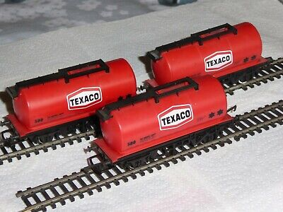 3 Hornby 00 Gauge BR Wagons - R231 - BR Texaco Petrol Tankers -Red Livery • 22.03€