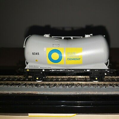 HORNBY OO GAUGE  TANK WAGON  BLUE CIRCLE CEMENTUnboxed • 8.45€