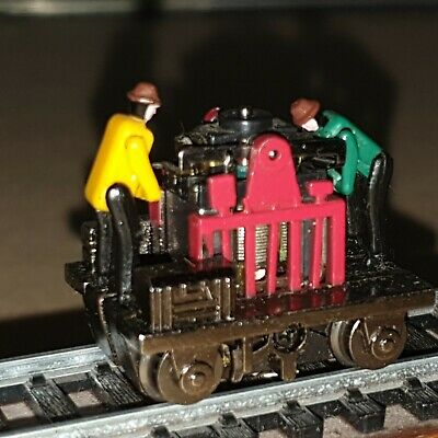 Oo Gauge Motorized Hand Car With 2 Figures Tested Runs Ok Maybe A Clean And Oil  • 16.85€