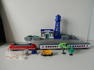 Chad Valley 00 Train- Carriages-Wagon & Ken Toys Police Station Railway Set  • 12.28€