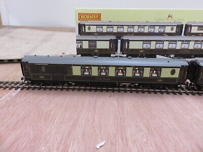 Opportunity - Hornby R2300/4169 Bournemouth Belle Coaches - Sold Individually • 42.19€