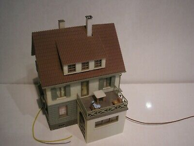 Oo Ho Resthome Old Peoples Home Building Day Center Figures With Smoker • 25.42€