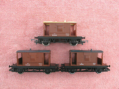 Hornby: Three Lner Style 20 Ton Brake Vans - Br Brown - Need Tidying - Unboxed • 1.11€