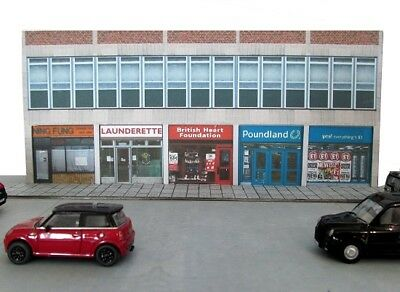 Kingsway, 00 Scale, Modern High Street Shops, ** Ready Made ** • 43.74€