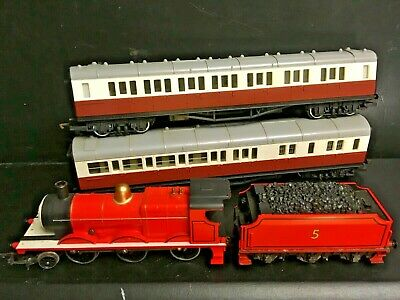 Hornby Thomas And Friends - 'James' The Red Engine And Coaches VGC • 84.72€