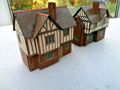 SUPERQUICK, Ready Made Model Railway Buildings X 2, OO/HO Gauge. VGC • 7.90€