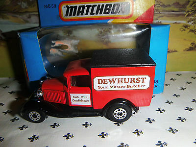 Matchbox Model MB38   Dewhurst Red   Van  Black   Roof  OO ? Scale • 3.55€
