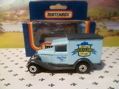 Matchbox Model MB38 Chester Heraldry Centre Blue   Van  Black   Roof  OO ? Scale • 5.16€