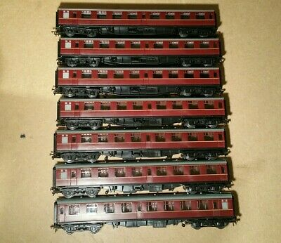 7x Rake BR Mk1 Unbranded Coaches Maroon Livery With Bachmann Couplings • 86.71€