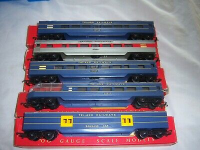 Triang Oo Gauge Triang Railways Diner Car R325 & 4 Others All Boxed • 40.46€