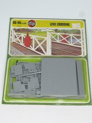 AIRFIX OO/HO Scale Model Railway Kit LEVEL CROSSING Type 4 Blister Pack • 8.93€