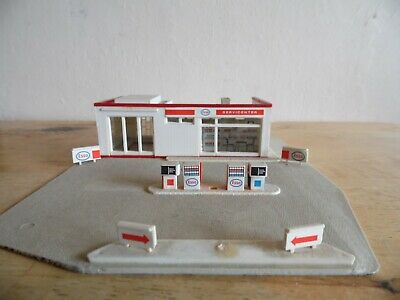 Building Built For Display  Oo/ho Scale   Garage Forecourt • 11.16€