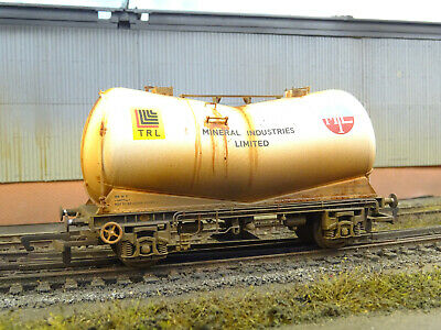Hornby V Tanker Mineral Industries (lineside Weathered) R6771 • 38.03€