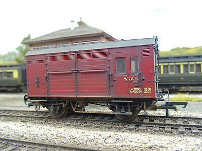 Hornby Br Horsebox W713 (lineside Weathered) R6537 • 40.21€